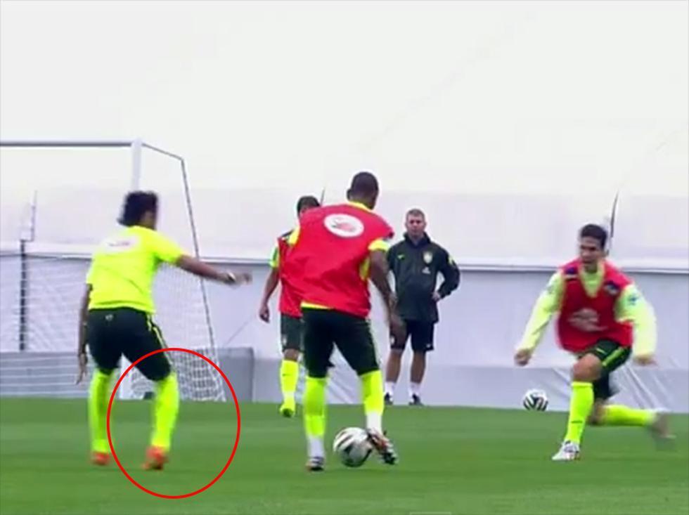 Mundial Brasil 2014: Neymar asusta tras sufrir lesión en entrenamiento [VIDEO]