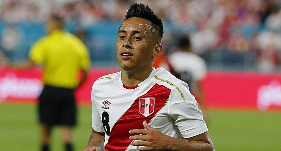 Christian Cueva: documentos del futbolista peruano son presentados por Independiente