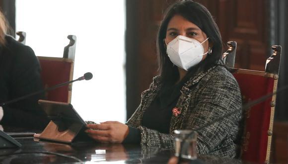 La ministra de Justicia, Ana Neyra, indicó que existe un riesgo para la economía del país si se aprueba el retiro del 100% de los aportes a la ONP.  (Foto: PCM)