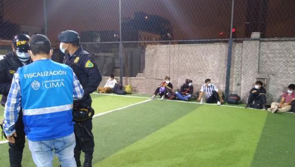La PNP intervino a 23 personas que participaban en un encuentro deportivo. Foto: MML