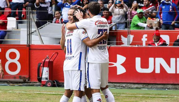 Cruz Azul de Yoshimar Yotún mide fuerzas ante Pachuca, club que espera la desvinculación de Christian Cueva de Santos para sumar al peruano como refuerzo. (Foto: Cruz Azul)