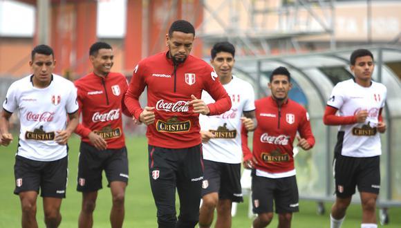 Alexander Callens está listo para volver a ser titular en la selección peruana. (Foto: FPF)