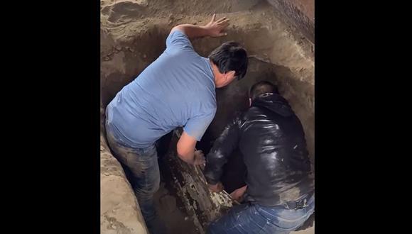 La droga estaba enterrada en un inmueble de Lurín. (Captura video PNP)
