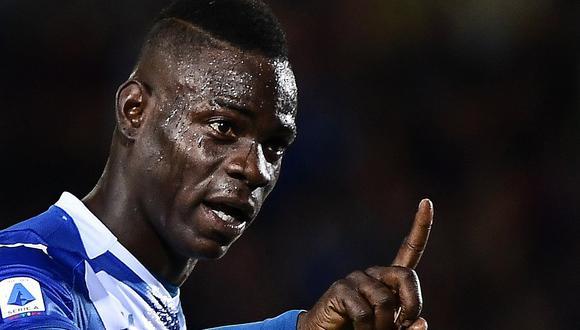 """Líder de la barra de Hellas responde tras caso Balotelli: """"¿Hay algún problema con decir la palabra negro?"""""""
