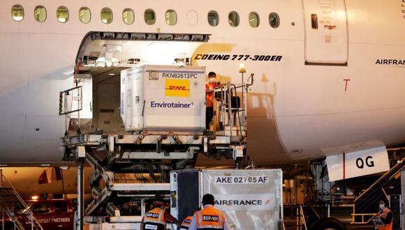 El avión con las primeras vacunas para el país pisó suelo peruano alrededor de las 8:00 p.m.. (Foto: Presidencia)