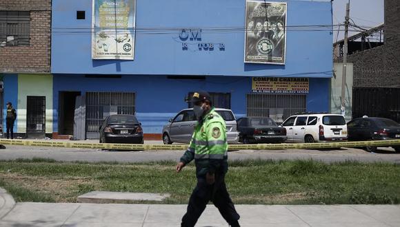 General en retiro de la Policía Nacional se pronuncia luego de la difusión de un nuevo video difundido donde muestra que un agente se encontraba en la entrada y la puerta ya estaba cerrada. (Foto: Francisco Neyra/GEC)