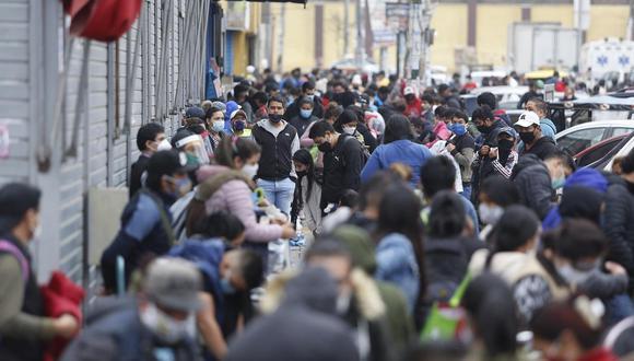 La cantidad de casos confirmados aumentaron este martes. (Foto: Violeta Ayasta/GEC)