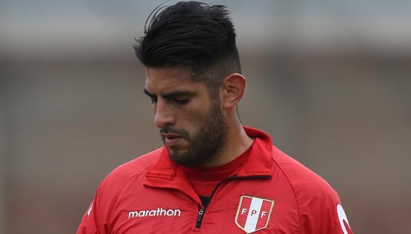 Selección peruana   Carlos Zambrano y las 25 horas de viaje que hizo sumarse a la bicolor en la fecha FIFA   VIDEO