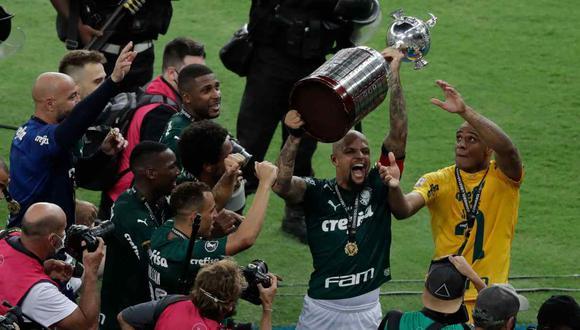 Felipe Melo, capitán de Palmeiras, celebró el título de la Copa Libertadores. (Foto: AFP)