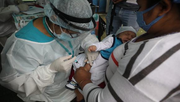 Ausencia del DNI no será una limitación para que menores o adultos mayores reciban vacuna. (Foto: Britanie Arroyo/GEC)