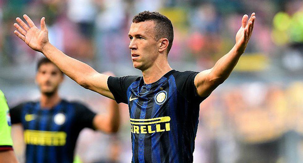 Crack del Inter de Milán debutó en vóley playa con derrota