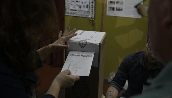En las PASO se elige qué agrupaciones políticas podrán participar en las elecciones generales del 14 de noviembre (Foto referencial: Juan Mabromata / AFP)