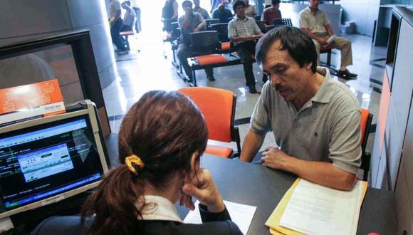 Puedes presentar tu solicitud de retiro de AFP de lunes a viernes en el horario de 8:00 a.m. a 6:00 p.m. (Foto: Andina)