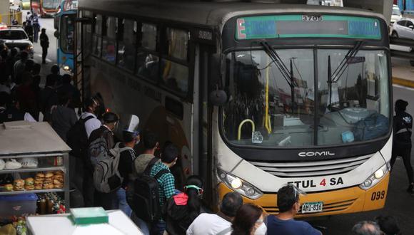 ATU coordinó con las empresas de transporte convencional para que modifiquen su programación y operen con el 100% de su flota ante la paralización de servicios del Metropolitano. (Foto: Juan Ponce Valenzuela @photo.gec)
