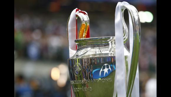 Así lució el trofeo de la Champions League, que fue presentado minutos antes del partido final del campeonato entre Real Madrid y Atlético Madrid. (Fotos: Agencias)