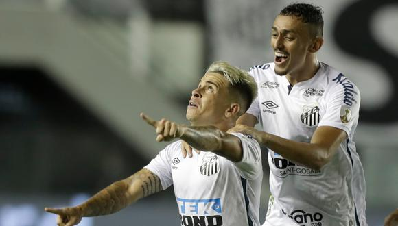 En una lamentable actuación del equipo 'Xeneize', el 'Peixe' logró imponerse con goles de Soteldo, Pituca y Braga. | Foto: AFP