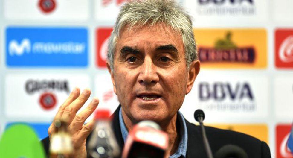 Juan Carlos Oblitas se mostró sorprendido por la cancelación del amistoso Perú-Chile. (Foto: AFP)