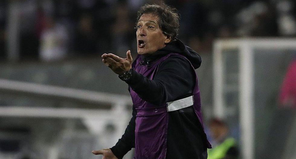 Colo Colo toma radical decisión sobre futuro de Mario Salas tras eliminación de la Sudamericana