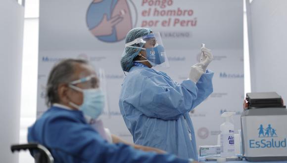 Hoy, viernes 23 de abril, se inició la segunda semana de vacunación a adultos mayores de 28 distritos de Lima y Callao(Foto: Eduardo Cavero/@photo.gec)