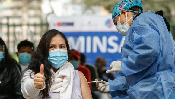 Minsa inició este martes la vacunación a jóvenes de 23 y 24 años en Lima y Callao. (Foto: gob.pe)