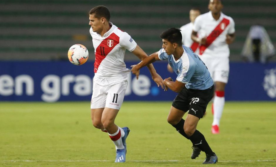Carlos Silvestri reemplazó a Nolberto Solano en la conferencia de prensa. Foto: Violeta Ayasta / GEC