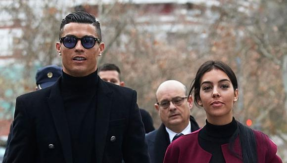 Georgina Rodríguez y Cristiano Ronaldo son pareja desde el año 2016. (Foto: AP)