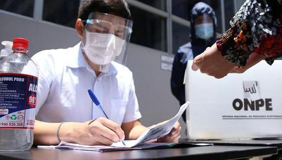 El domingo 6 de junio se llevará a cabo en Perú la segunda vuelta entre Pedro Castillo y Keiko Fujimori. A menos de un mes, es importante saber todo respecto a los comicios. Por ello, consulta AQUÍ tu local de votación.
