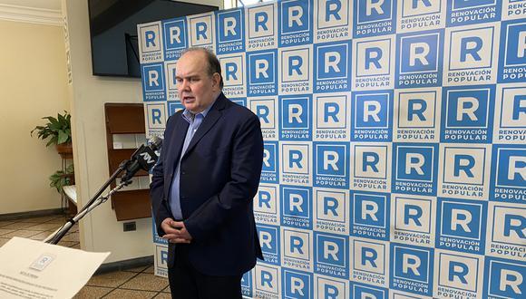 Precandidato presidencial Rafael López Aliaga presentó la refundación de Solidaridad Nacional, que pasará a llamarse Renovación Popular con el color celeste como bandera.
