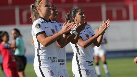 Corinthians femenino aplastó a El Nacional de Ecuador.