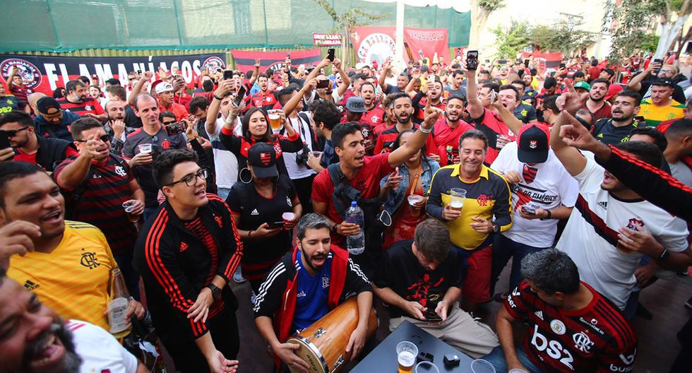 Las calles de Lima toman color negro y rojo a partir del arribo de seguidores del Flamengo. (Foto: Hugo Curotto / GEC)