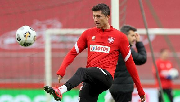Robert Lewandowski lleva tres goles en lo que va de las Eliminatorias rumbo a Qatar 2022. (Foto: EFE)