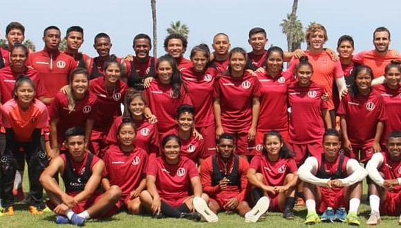 Plantel femenino de Universitario visitó al primer equipo en Campo Mar
