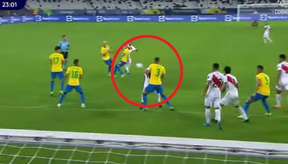 Luego de varias horas del partido entre Perú y Brasil, la Conmebol publicó los audios del VAR cuando la pelota choca en la mano de Thiago Silva.