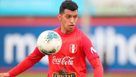 El volante contó que cambió de número y ya no está en el chat de la selección peruana.