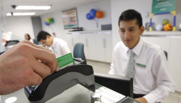 FOTOS DE AGENCIA DEL BANCO INTERBANK, ATENCION EN VENTANILLA,  ATENCION PERSONALIZADA,  CAJERO AUTOMATICO