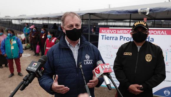 Jorge Muñoz defendió el traslado de comerciantes de La Parada hacia el mercado temporal Tierra Prometida en Santa Anita. (Foto: Ángela Ponce/@photo.gec)