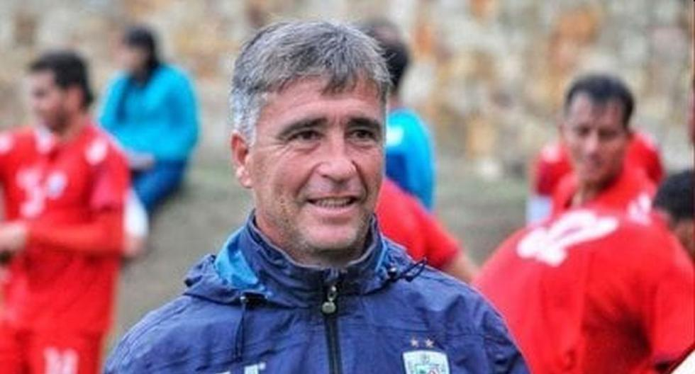 Técnico de Estudiantes de Mérida utilizó WhatsApp para dirigir ante Alianza Lima