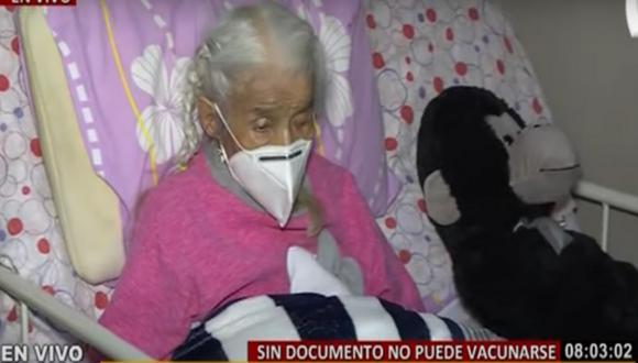Olinda Espinoza no puede ser vacunada contra el COVID-19 debido a que no cuenta con su DNI. Foto: captura BDP
