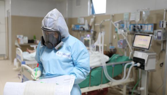 Ministro de Salud invita a la ciudadanía a vacunarse contra el COVID-19 y acudir a las vacunatones desplegadas a nivel nacional. (Foto:EsSalud)
