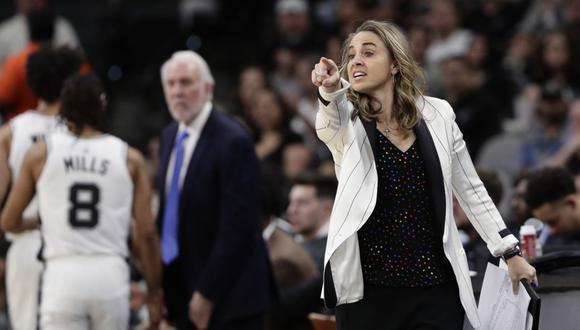 Becky Hammon se retiró como jugadora en el 2014, se pasó al banquillo y fichó como entrenadora asistente de los San Antonio Spurs. (Foto: NBA)