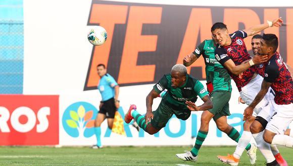 Narrador de GolTV USA enloqueció con el gol de Farfán (Foto: Liga 1).