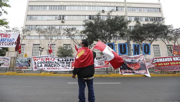 Sacarías Meneses fue una de las personas que vino a Lima junto a una delegación de Ayacucho para expresar su respaldo a Pedro Castillo y esperar los resultados de la segunda vuelta de las Elecciones Generales 2021. (Foto: Jorge Cerdan/@photo.gec)