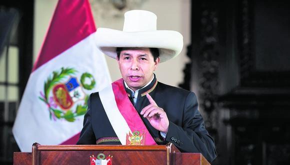 El presidente de la república, Pedro Castillo no cumplió su promesa de renunciar al sueldo presidencial y vivir con su sueldo de maestro.