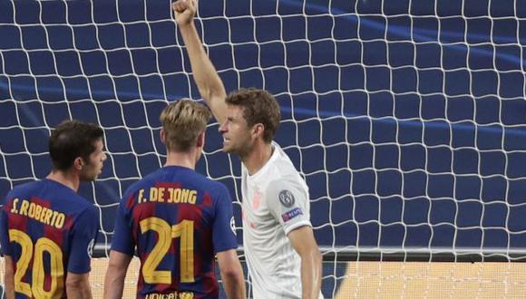 Thomas Müller marcó un doblete al Barcelona en cuartos de final de la Champions League. (Foto: AFP)