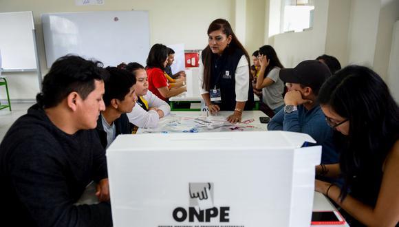 La ONPE anunció que los miembros de mesa recibirán un bono de estímulo por su labor durante las Elecciones 2021. (Foto: Miguel Yovera / GEC)