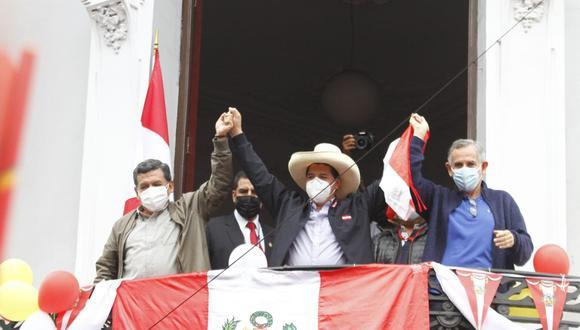 Con las actas contabilizadas al 100%, el candidato de Perú Libre superó a Keiko Fujimori por 44058 votos.