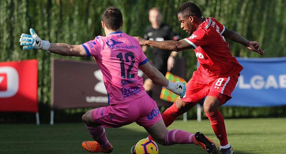 Jefferson Farfán jugó en la victoria 3 a 1 de Lokomotiv ante Heugesund