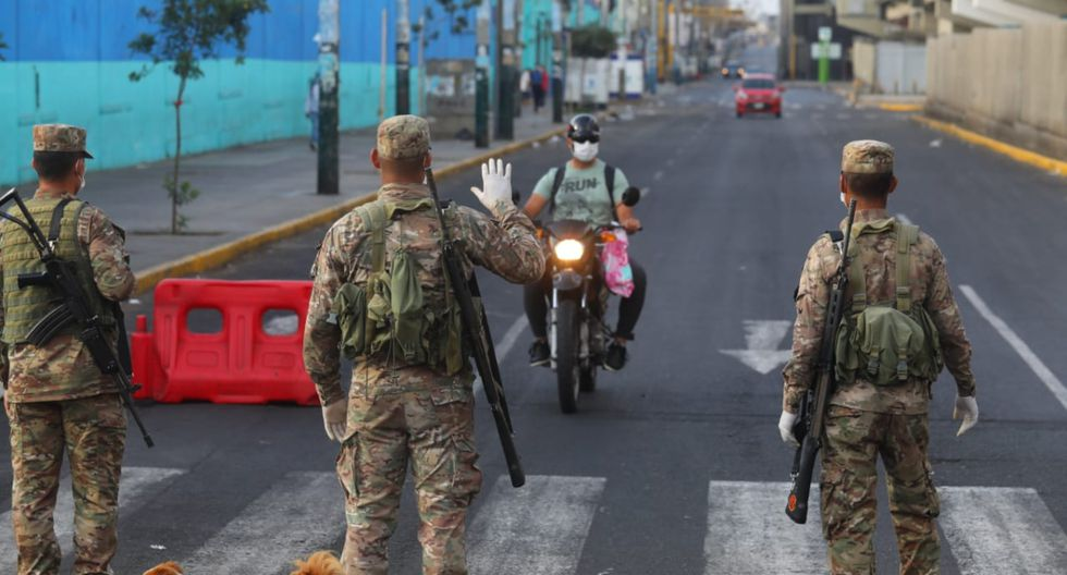 Los militares continúan patrullando en las calles. | Foto: GEC
