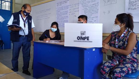 Piero Corvetto, jefe de la ONPE, anunció que los primeros resultados del conteo de los votos se darán a las 11:30 pm del 11 de abril. (Foto: ONPE)