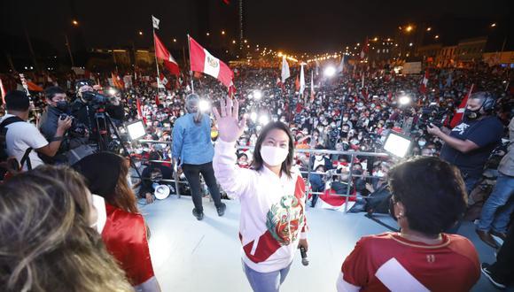 Luego de que la ONPE diera los resultados al 100% de la Segunda Vuelta, en redes sociales vacilan a Keiko Fujimori (Foto: César Bueno / @photo.gec)